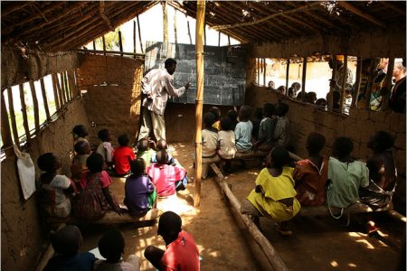 Kindu : les travaux forcés des écoliers profitent aux directeurs