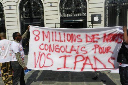 Apple Store, Paris : Sit-in contre le trafic du Coltan en RDC