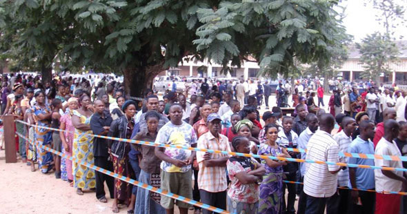 11-28-drc-election-crowd