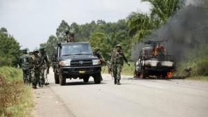 Photo du véhicule du Colonel Ndala en feu
