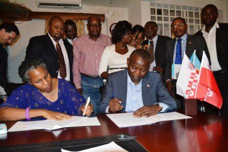 L'UNC de Vital de Kamerhe signe officiellement un protocole d'accord avec le NDI américain