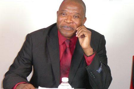 RD Congo: Le Professeur Mbata sur le chemin de l'exil!