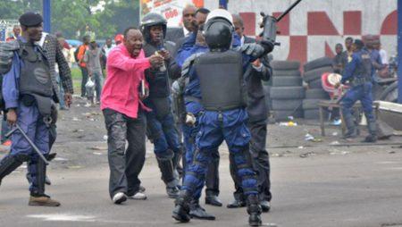 Infiltrer la police et poursuivre l'extermination des Congolais(es)