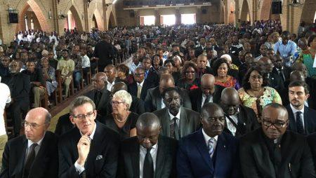 Tout ce beau monde se moque de nous Congolais(es)