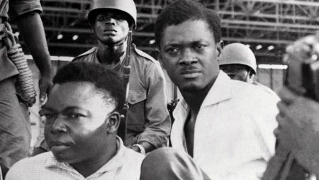 Au sujet de Lumumba, relire souvent Frantz Fanon