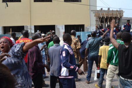 Débattre et argumenter. Avoir «des sources crédibles» au Congo-Kinshasa