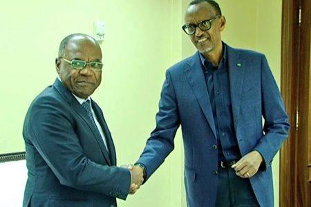 She Okitundu chez Kagame