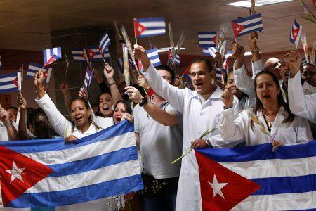 Congolais: Médecins et soldats cubains combattent drapeau à la main pour une même cause…