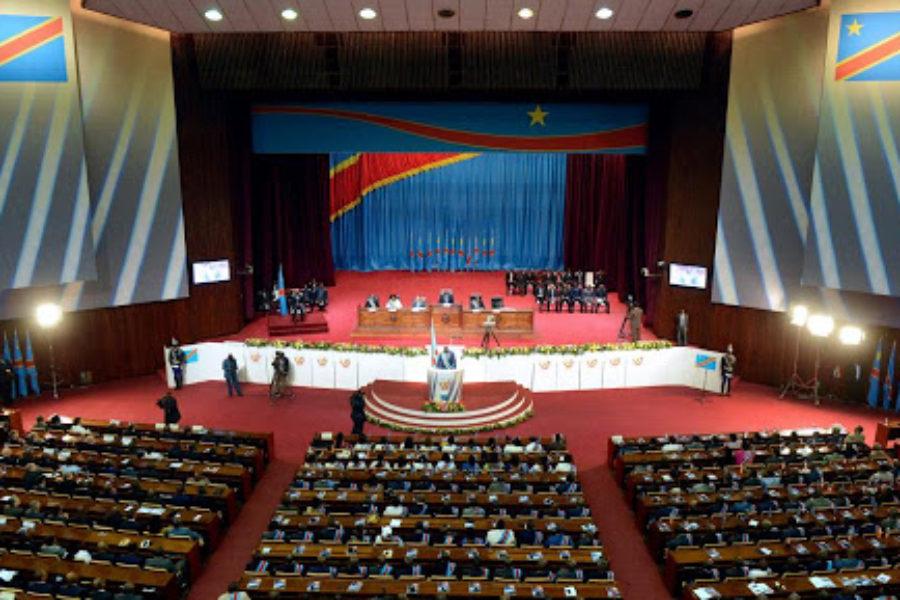 Unitaristes et fédéralistes congolais. Un débat édulcoré ?