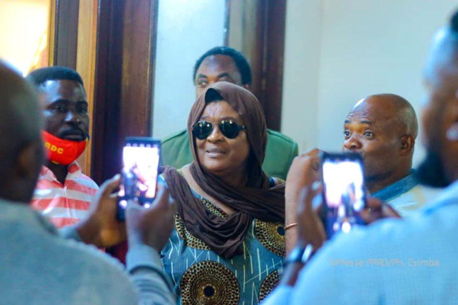 La juridicisation de l'espace public congolais participerait du décérébrage massif