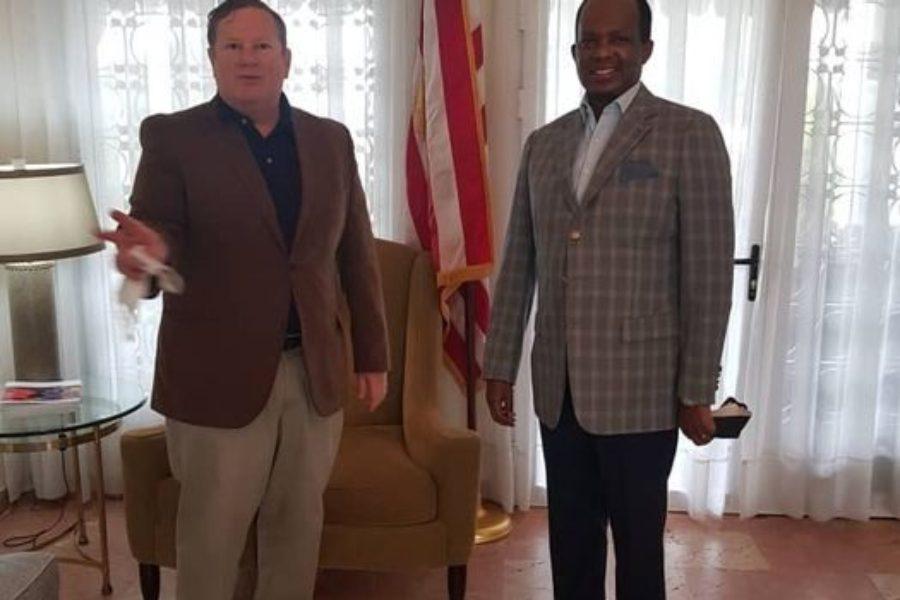 Mike Hammer et Vincent Karega, ambassadeurs des USA et du Rwanda au Congo, sur un territoire conquis…