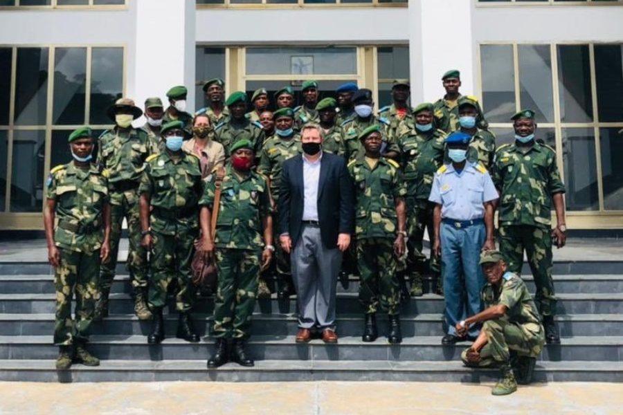 Mufoncol Tshiyoyo | J'assume : Quand un ambassadeur étranger s'adresse aux représentants de l'armée congolaise…