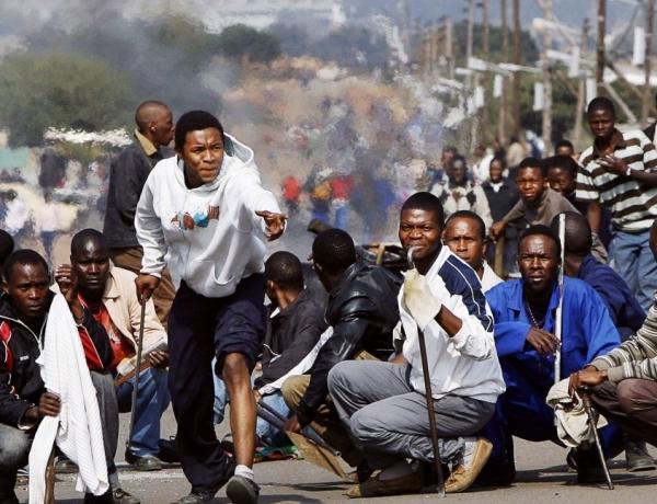 Charniers au Congo, xénophobie en Afrique du Sud, drames en méditerranée : Les africains face aux guerre de prédation et de déstabilisation